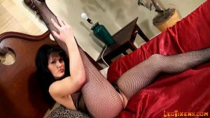 lvdl_0017_fishnet_bodysuit_and_python_girl_tease_and_squeeze_www.legvixens.com (5)